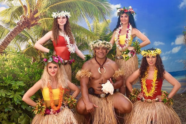 Hawaiian dancers for hire